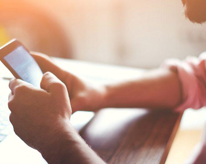 Mais de 60% da população brasileira está conectada nas redes sociais
